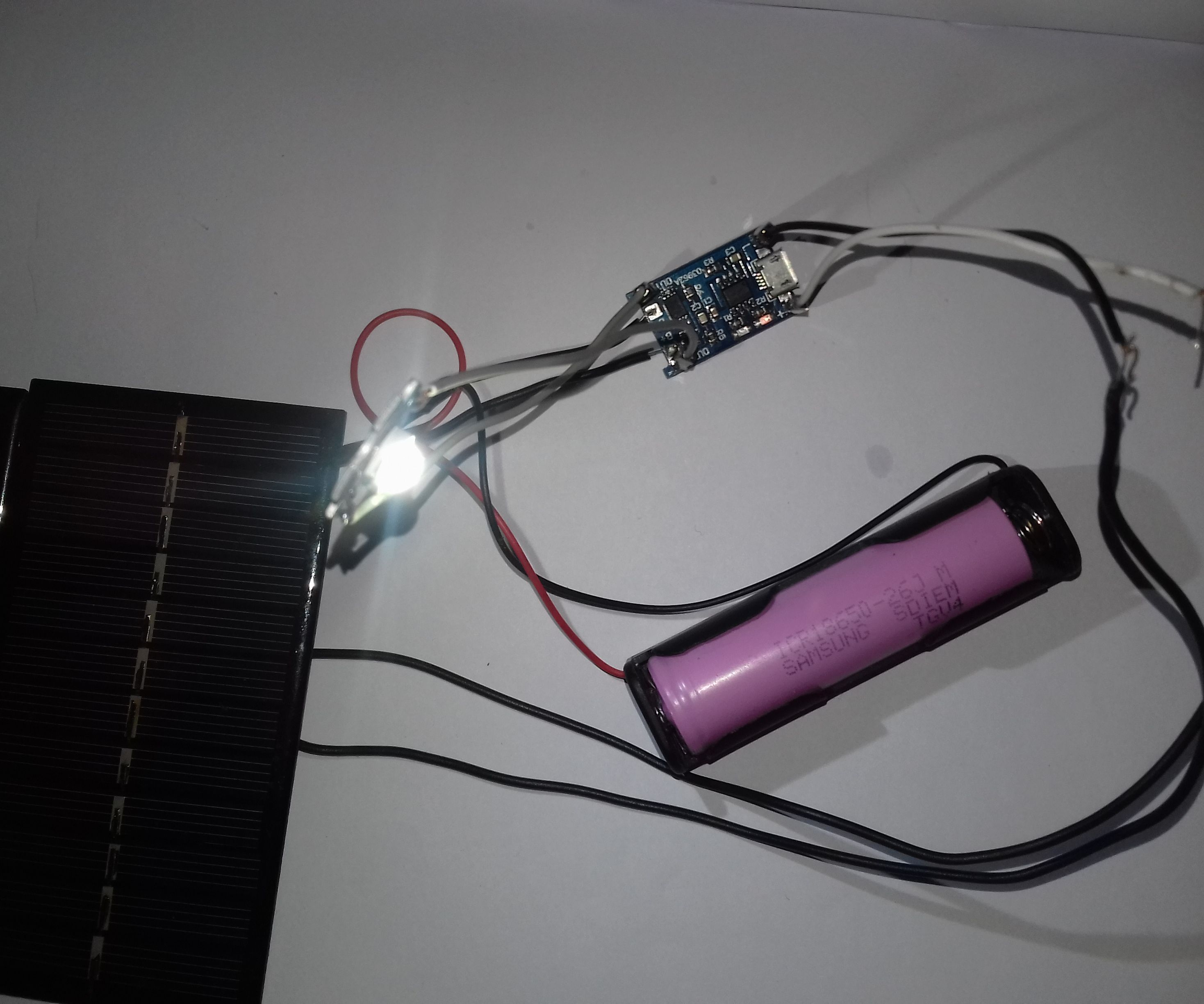 Solar Powered Charger for 18650 Lithium Ion Cells
