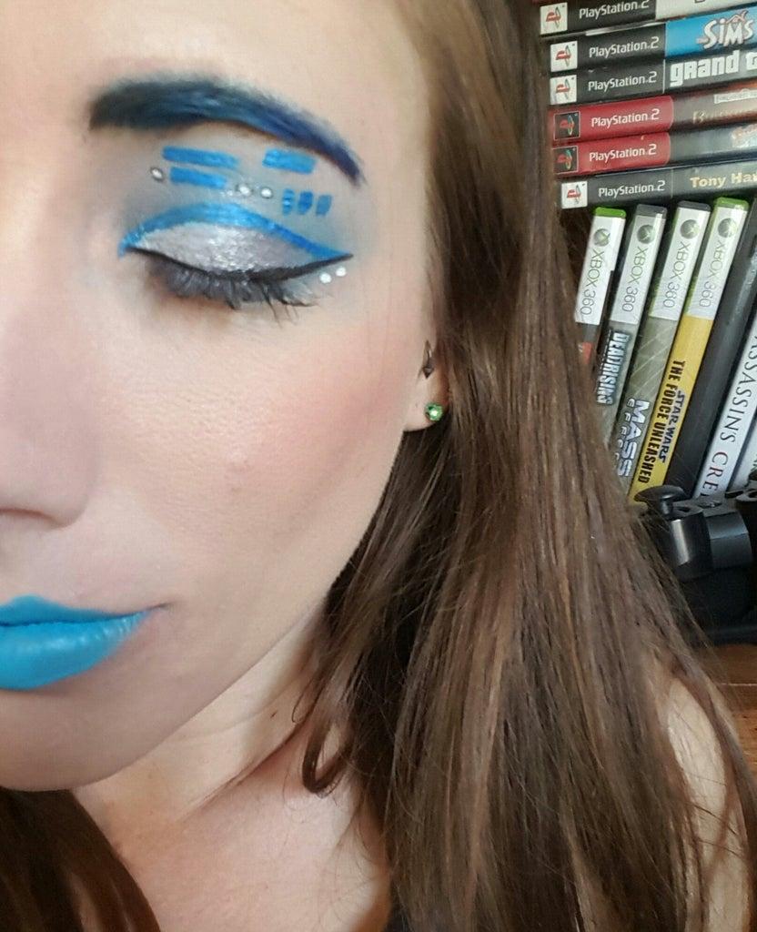 Remake R2D2 Makeup Look