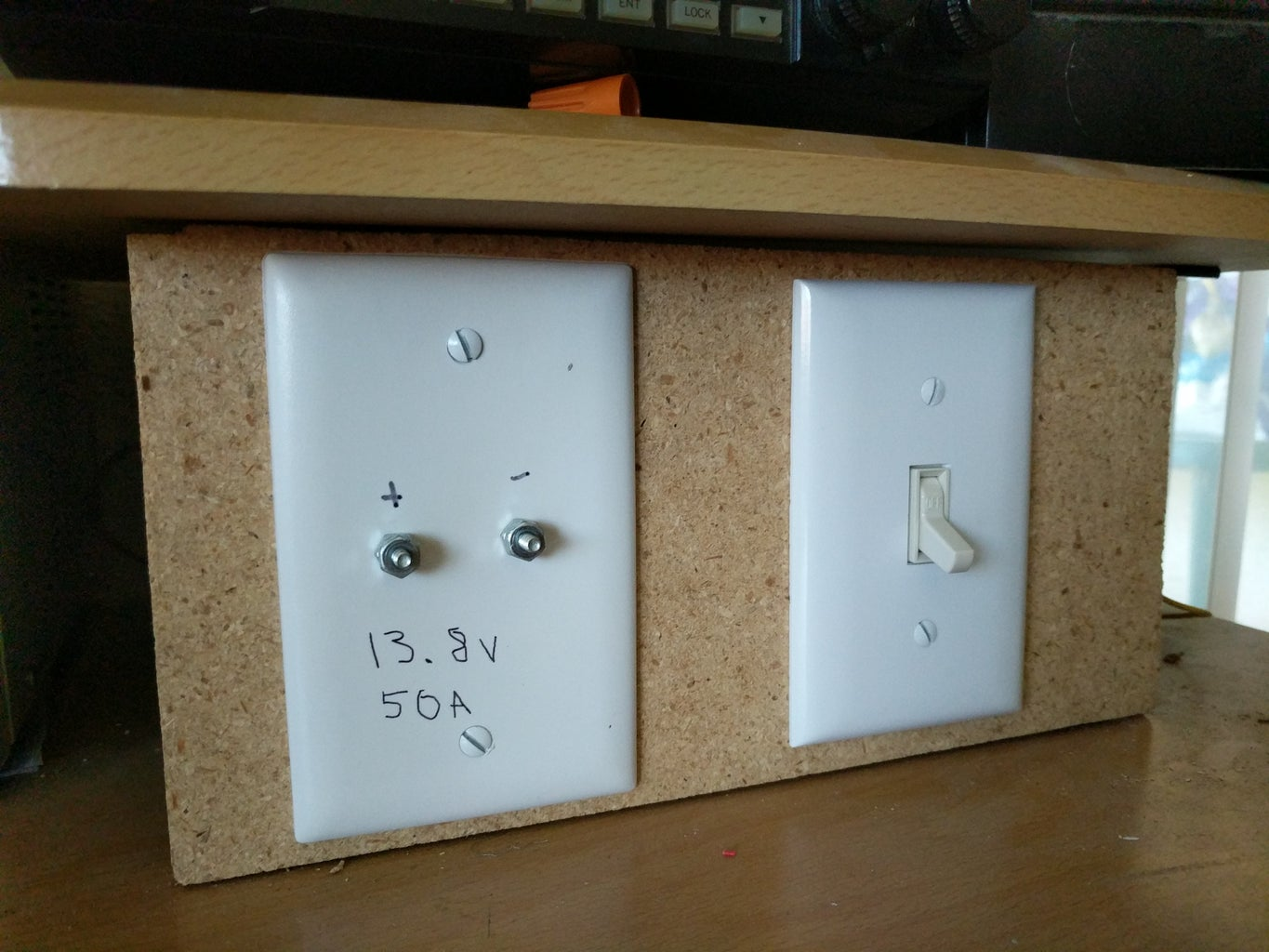 12 Volt 50 Amp Bench Integrated Power Supply