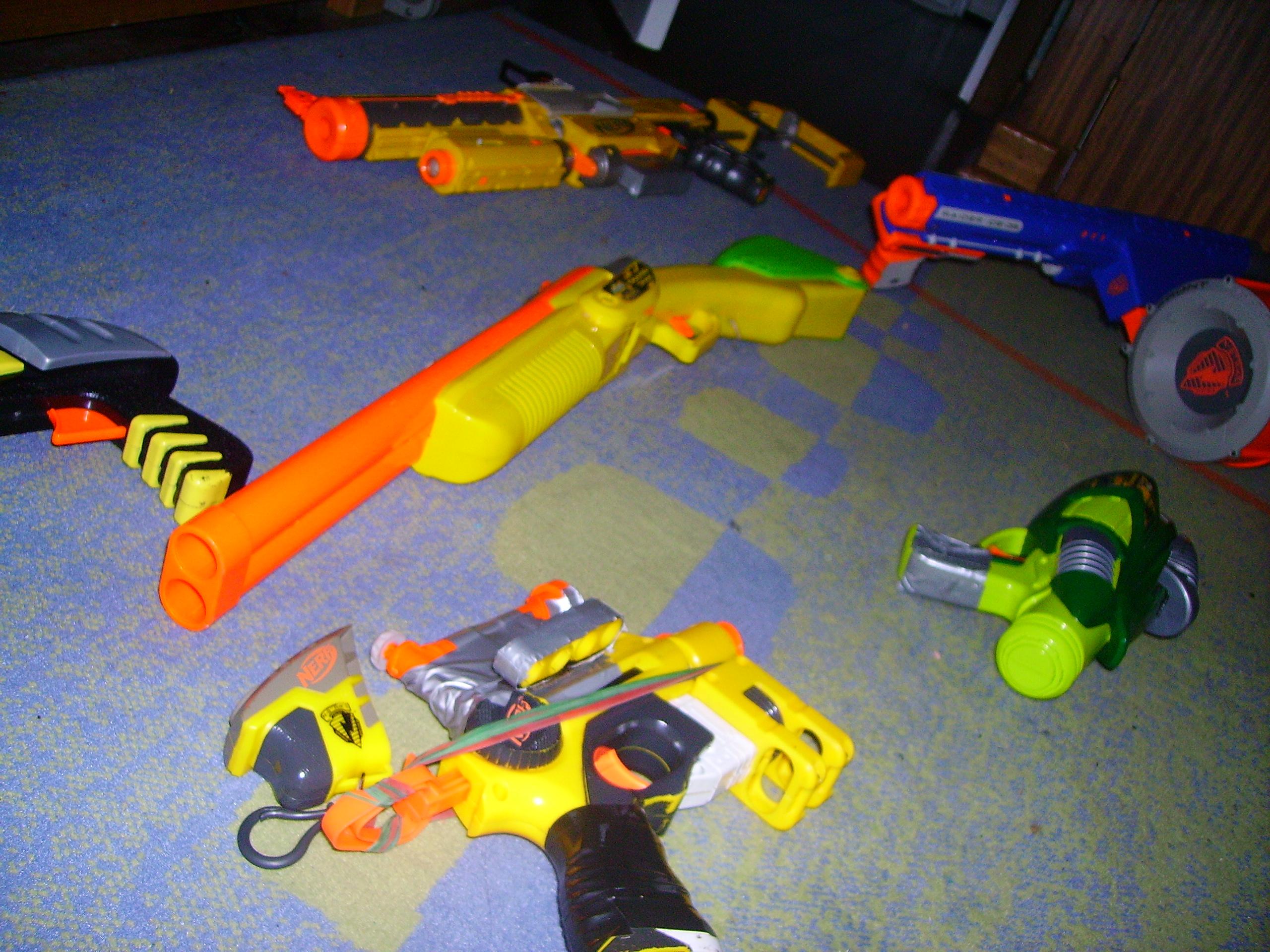 Great Nerf War tactics and skills