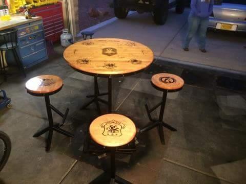 Pub Table & Bar Stools