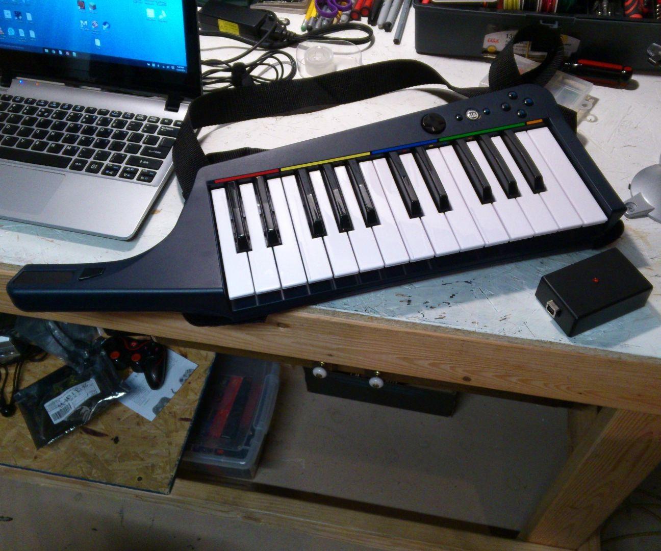 Wireless MIDI for Rock Band Keytar