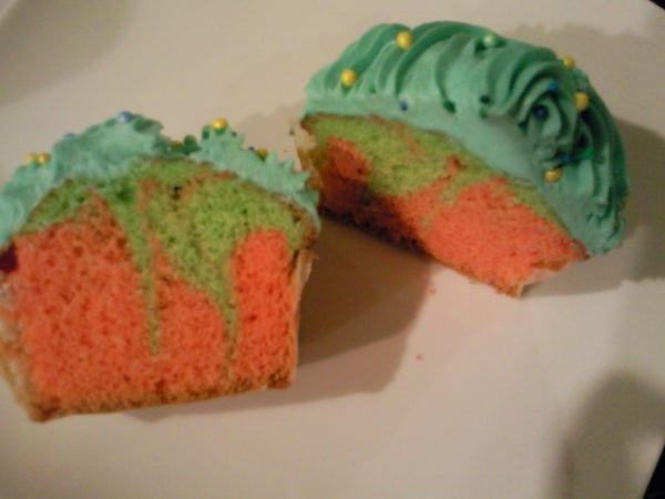 Two Tone Cupcakes!