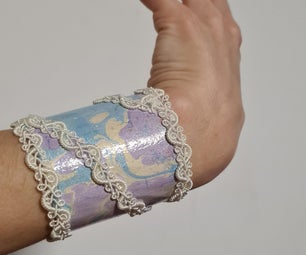 Marbled Bracelets Made of Recycled Cardboard Rolls