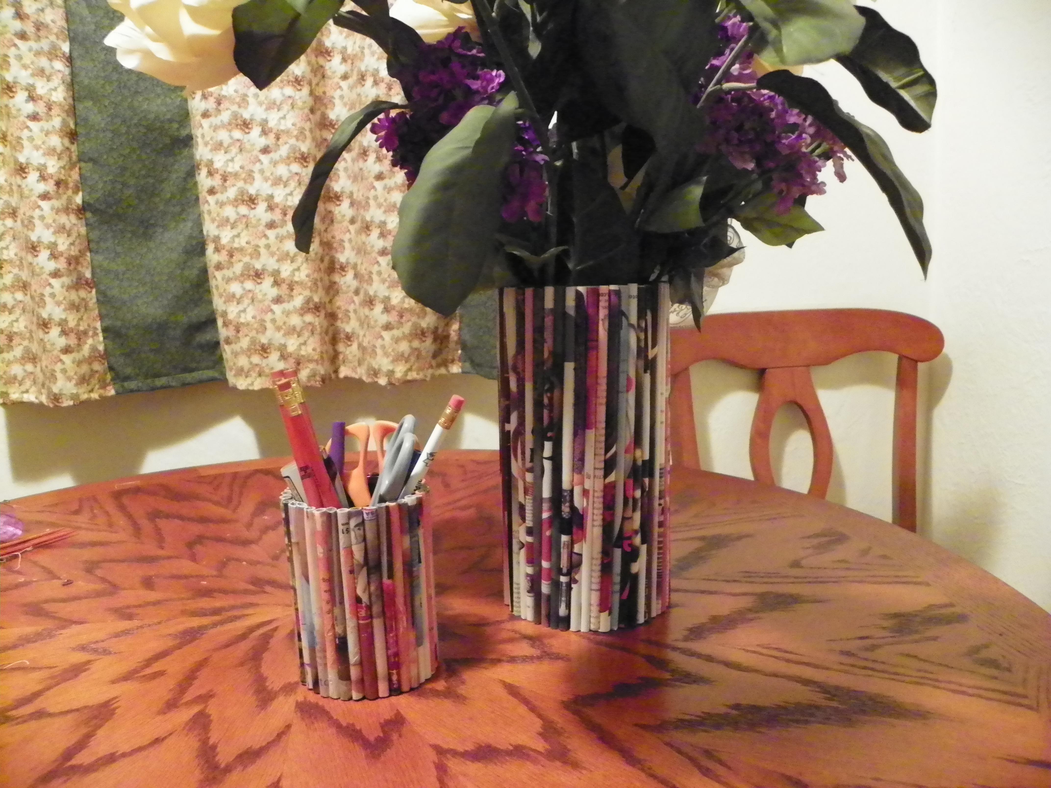 Magazine vase and pencil holder