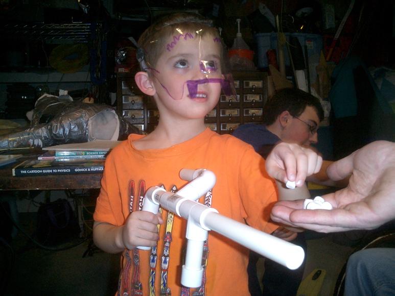 Marshmallow-Gewehr zum Selberbauen