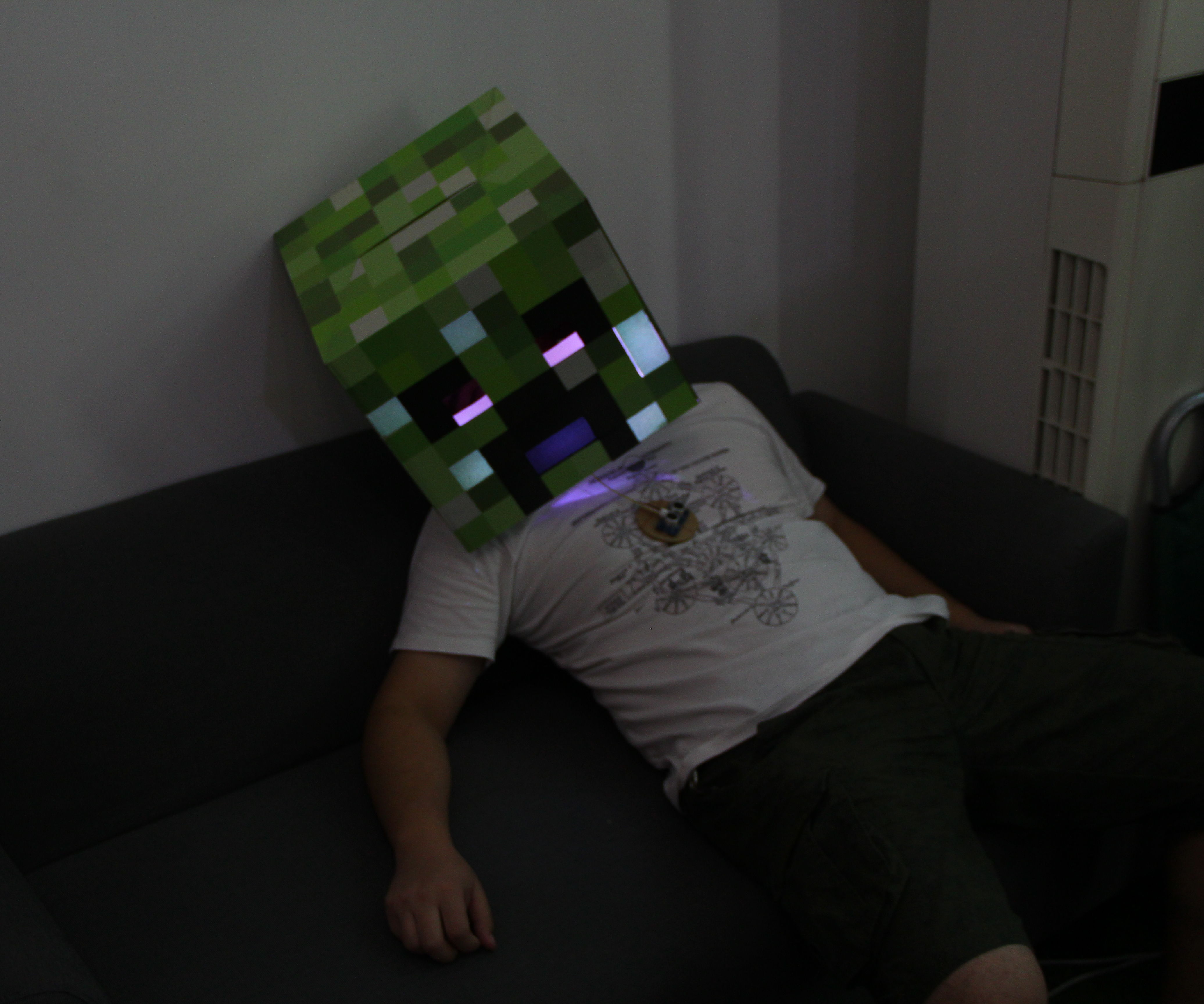 How to Make a Vivid Flashing Minecraft Creeper