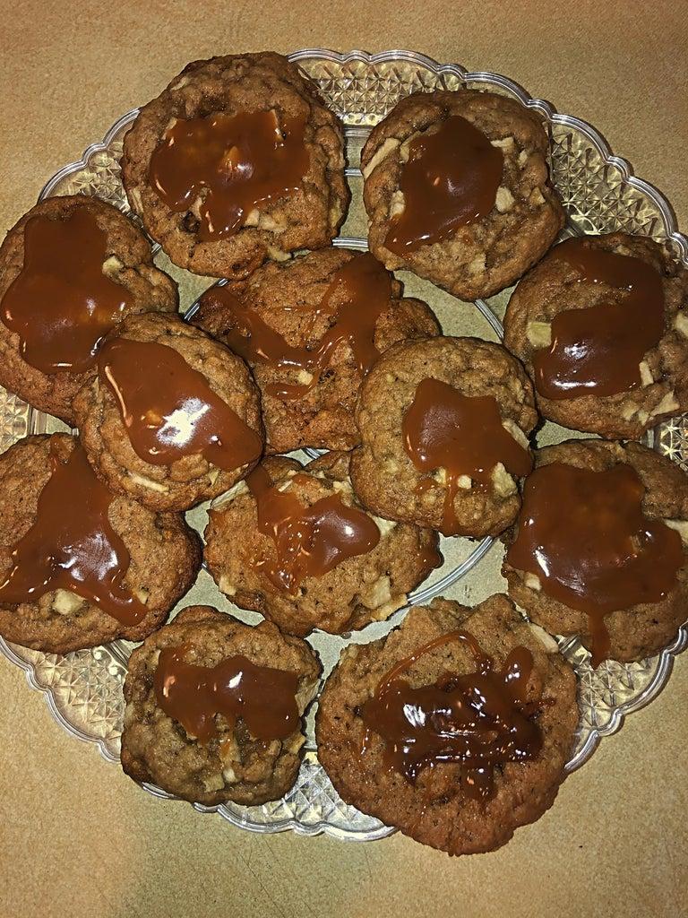 Simple Cinnamon Caramel Apple Cookies