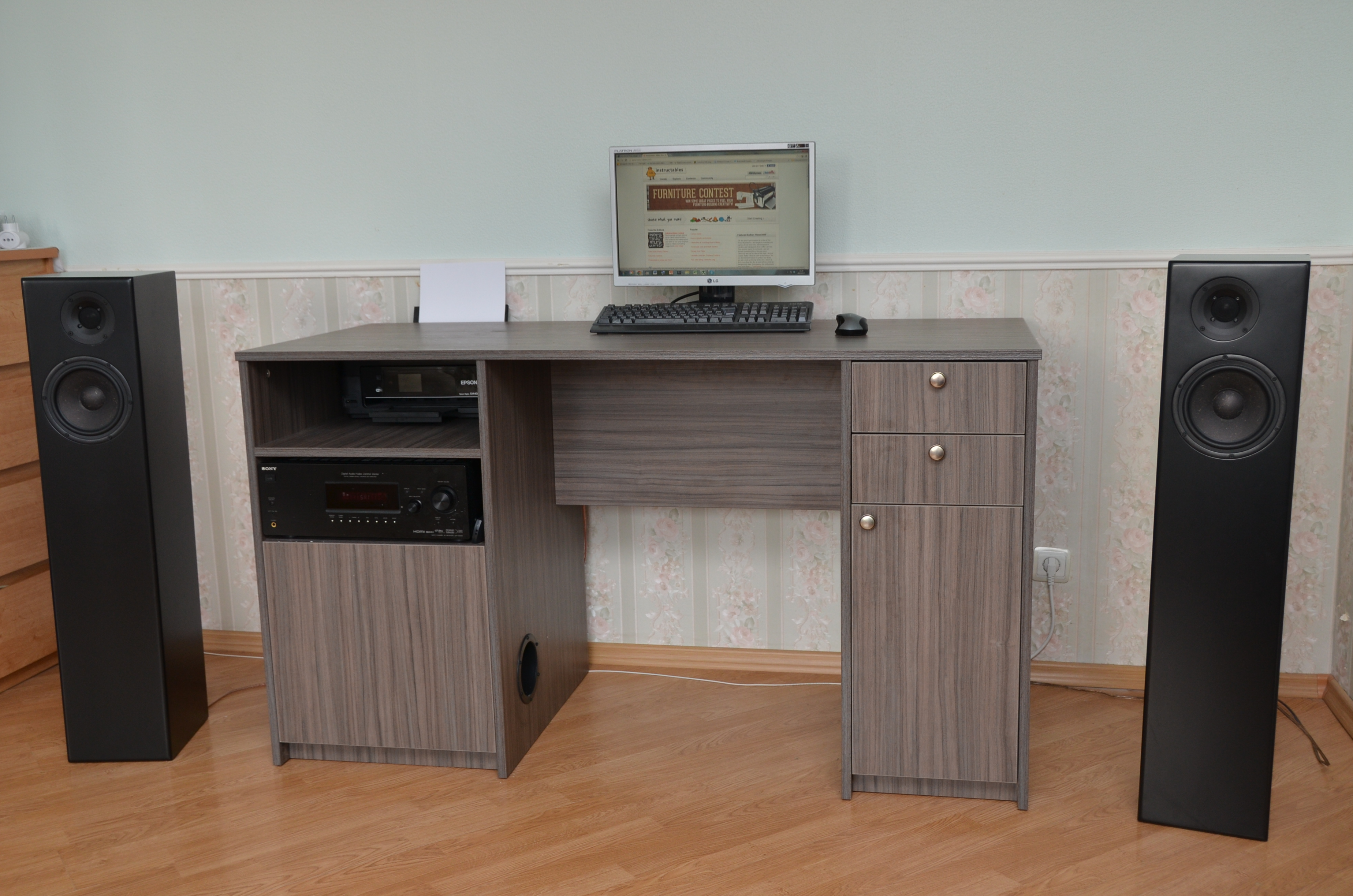 Multimedia desk with built in subwoofer