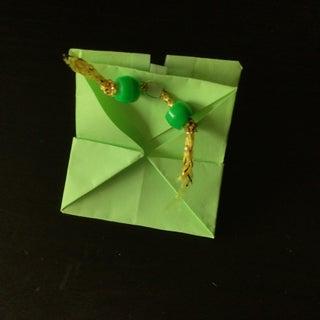 拼图锁定纸盒