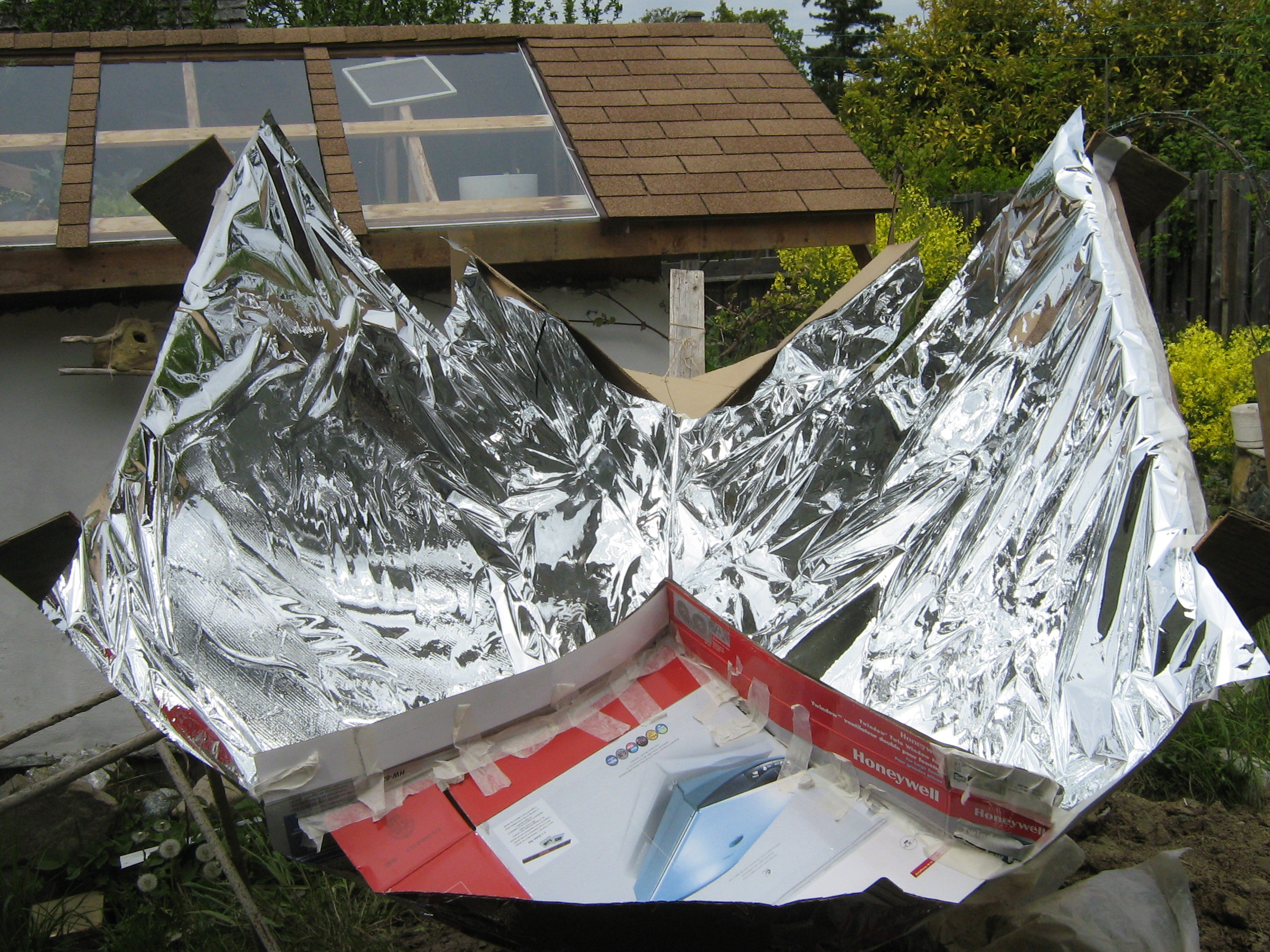 Kyoto trough solar cooker mimics a parabolic dish without a thousand cuts!