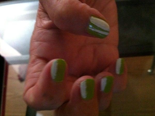 Simple Chic Nail Art!