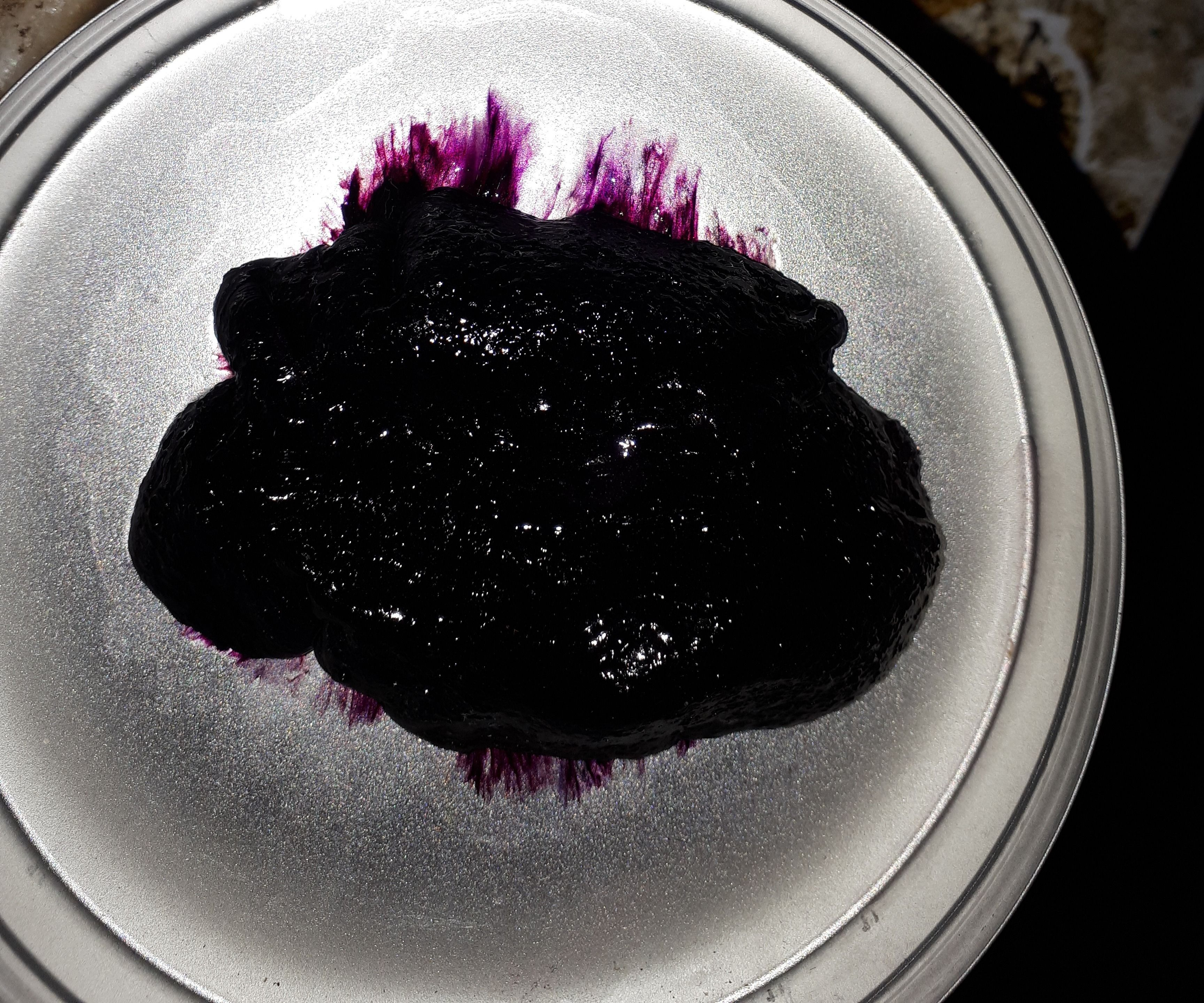 Dyed Polyvinylpyrrolidone Gel With Iodine and Rit Dyes for Art (3D Effects).