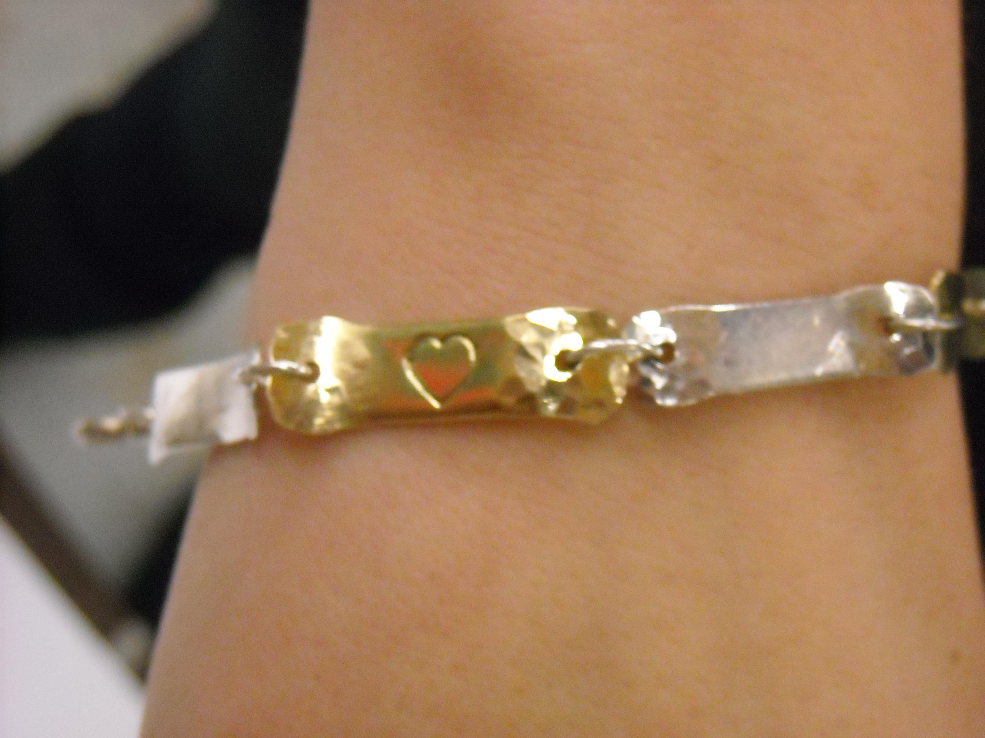 Easy Valentines Bracelet