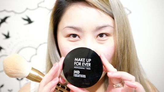 Set the Concealer With Translucent Finishing Powder