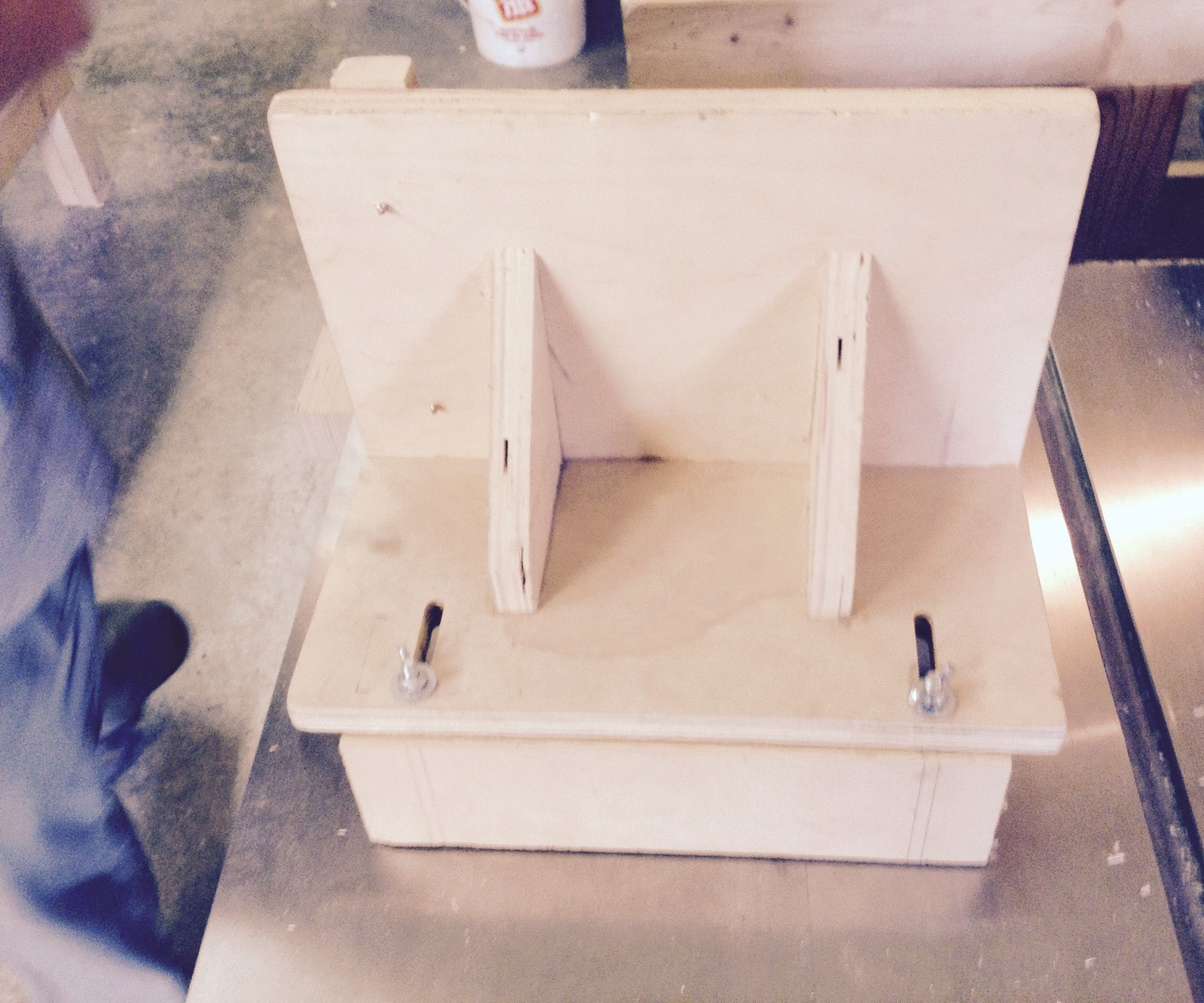 Tenon Cutting Jig for a Table Saw