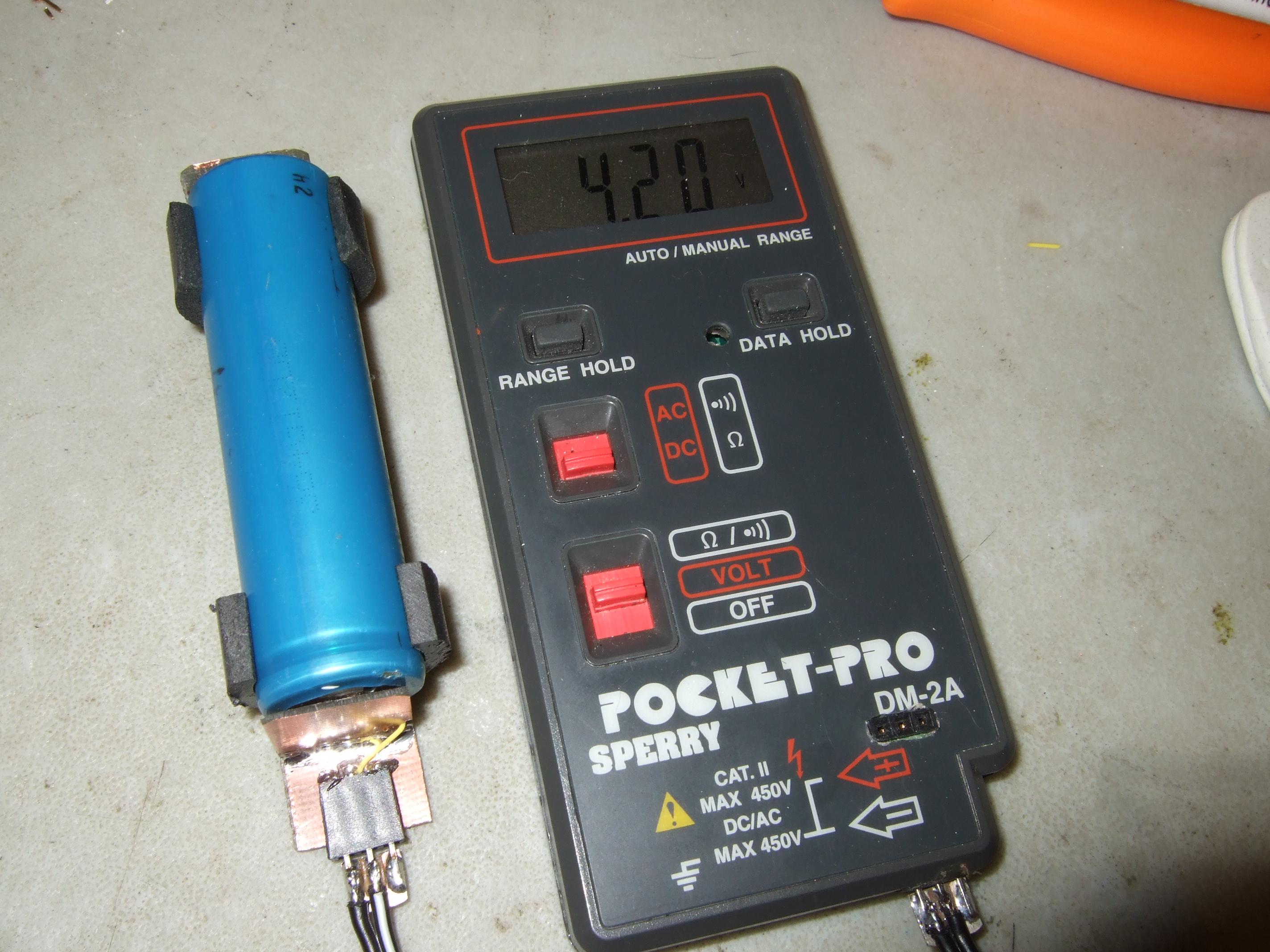 Super overcomplicated, overengineered battery holder...