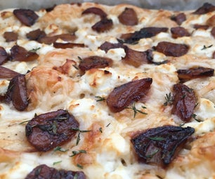 香醋焦糖的大蒜披萨与山羊奶酪