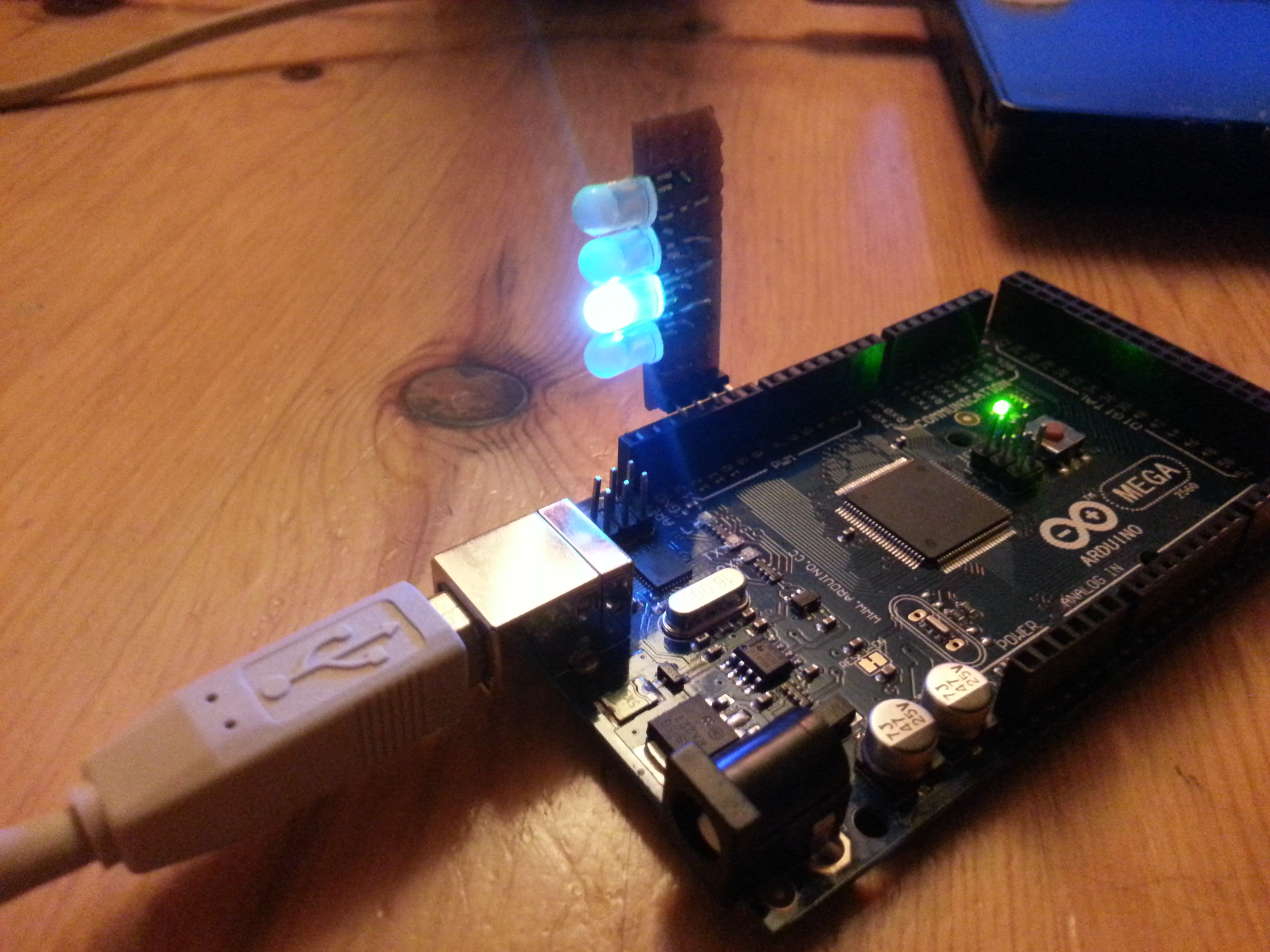Chalieplexing 4 RGB-LEDs with 4 wires on Arduino