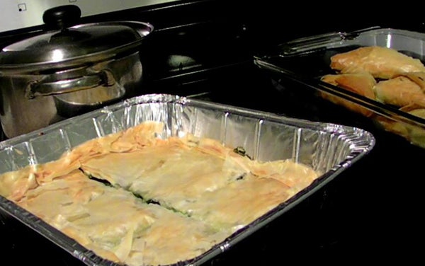 TRADITIONAL SPINACH PIE  (SPANAKOPITA)