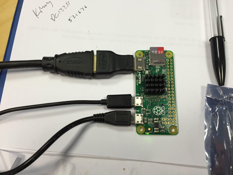 R2D2 Raspberry Pi Zero Retro Gaming Machine!