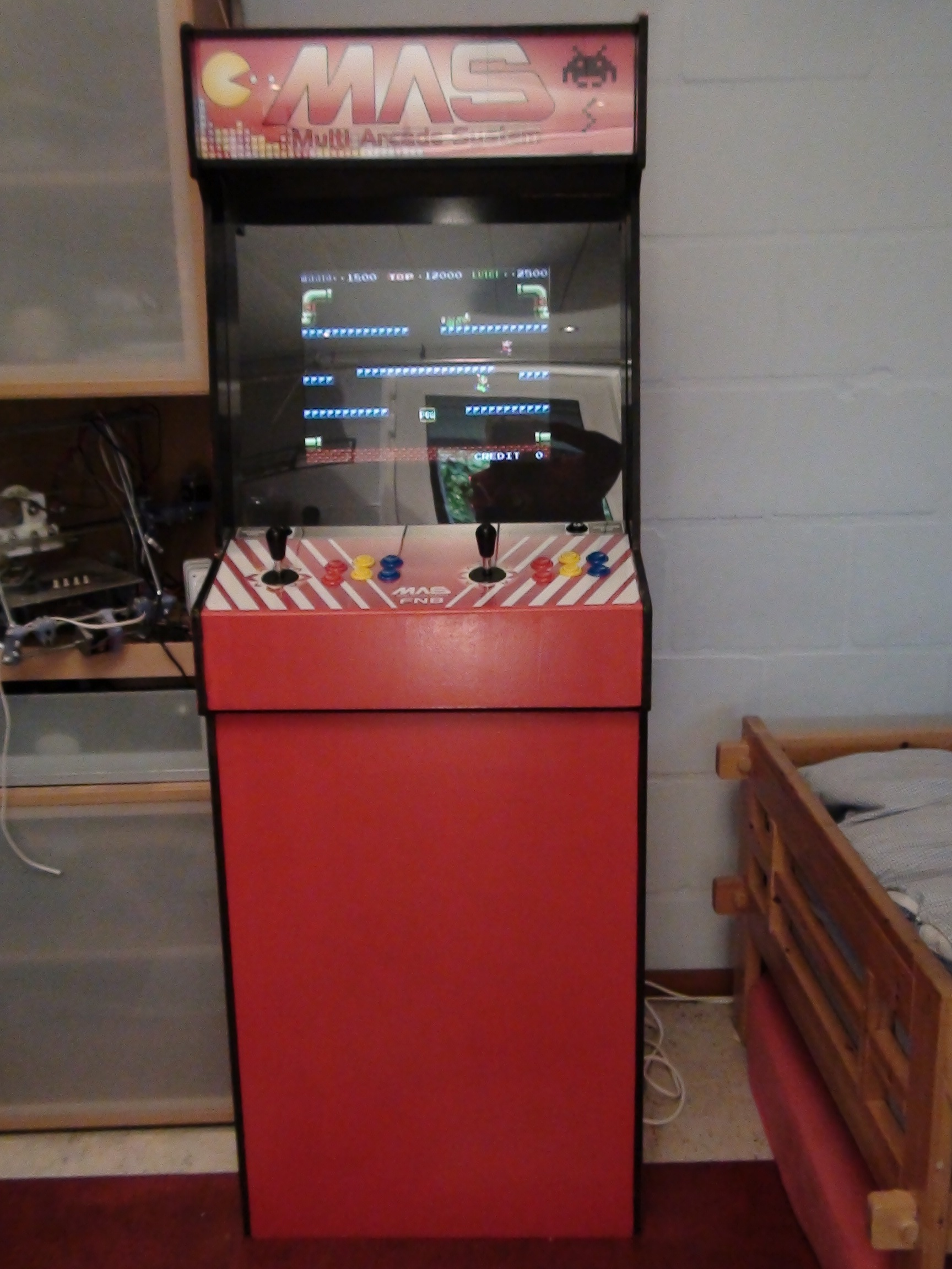 Build an arcade cabinet for 200euro ($250)