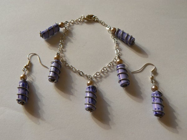 Make Jewelry Sets With Capacitors