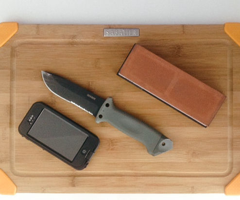 Knife sharpening with a whetstone: An easy angle guide for the perfect blade.
