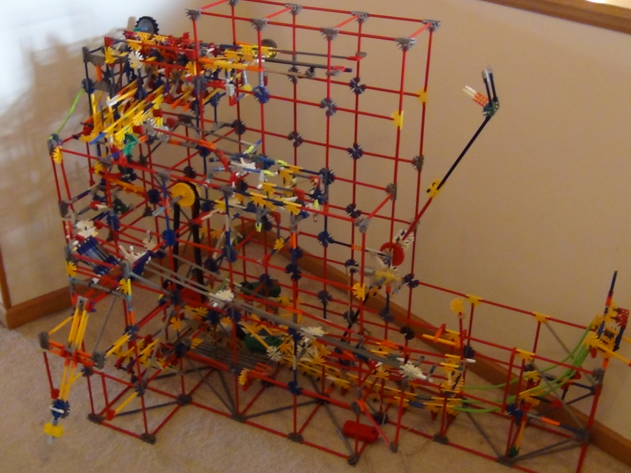 Botanism - KNEX Ball Machine