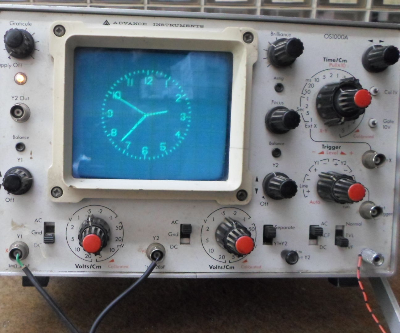 Extremly Simple Oscilloscope Clock With ESP32