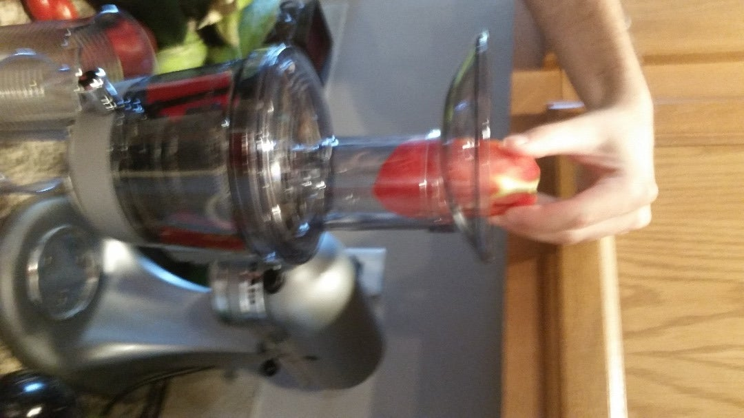 Prepare and Juice Fresh Tomatoes