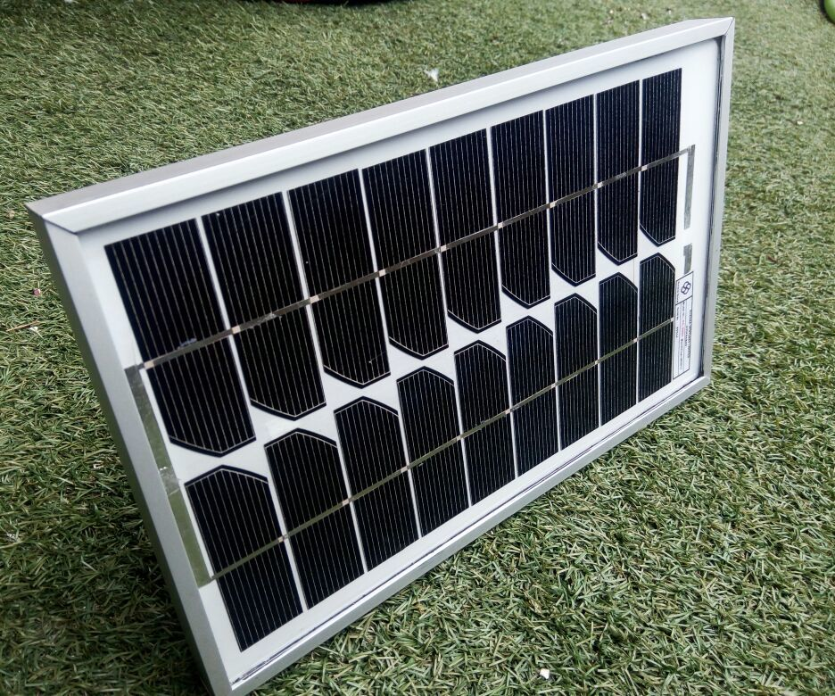 Solar Portable easy to carry LED light system