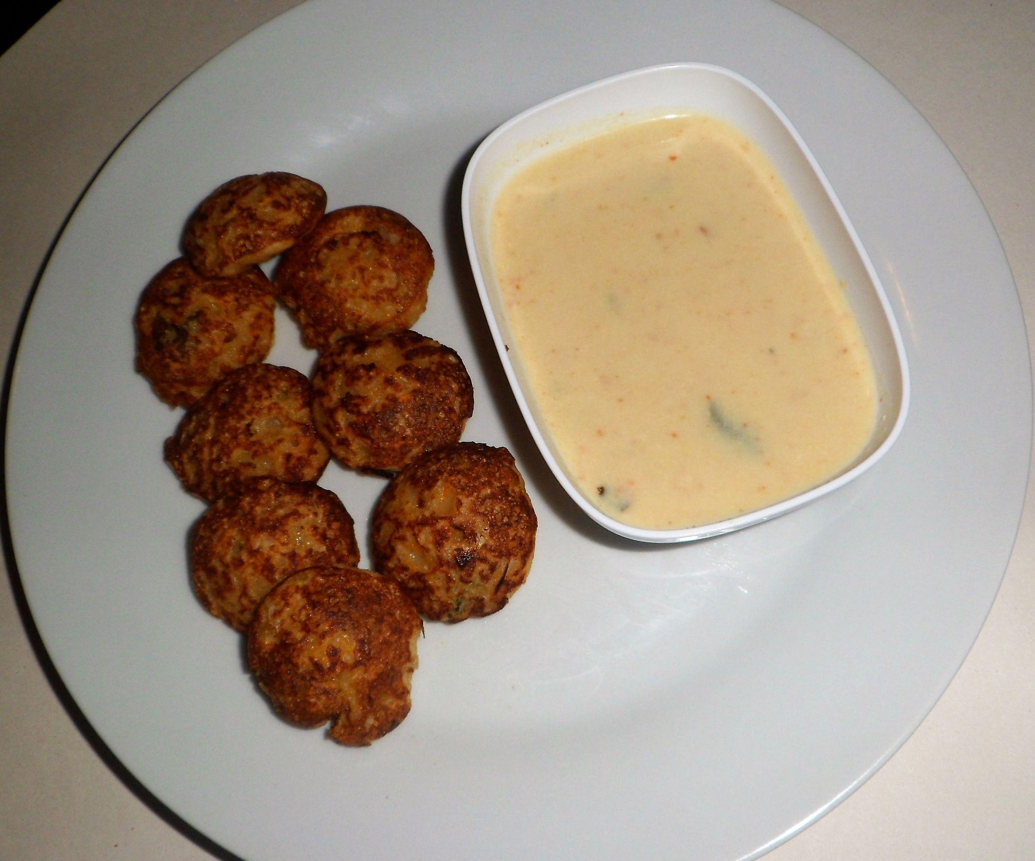 Oats Kuzhi Paniyaram (Ball Pancakes)