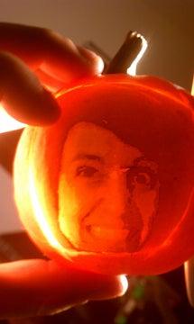 Pumpkin to Face to Pumpkin