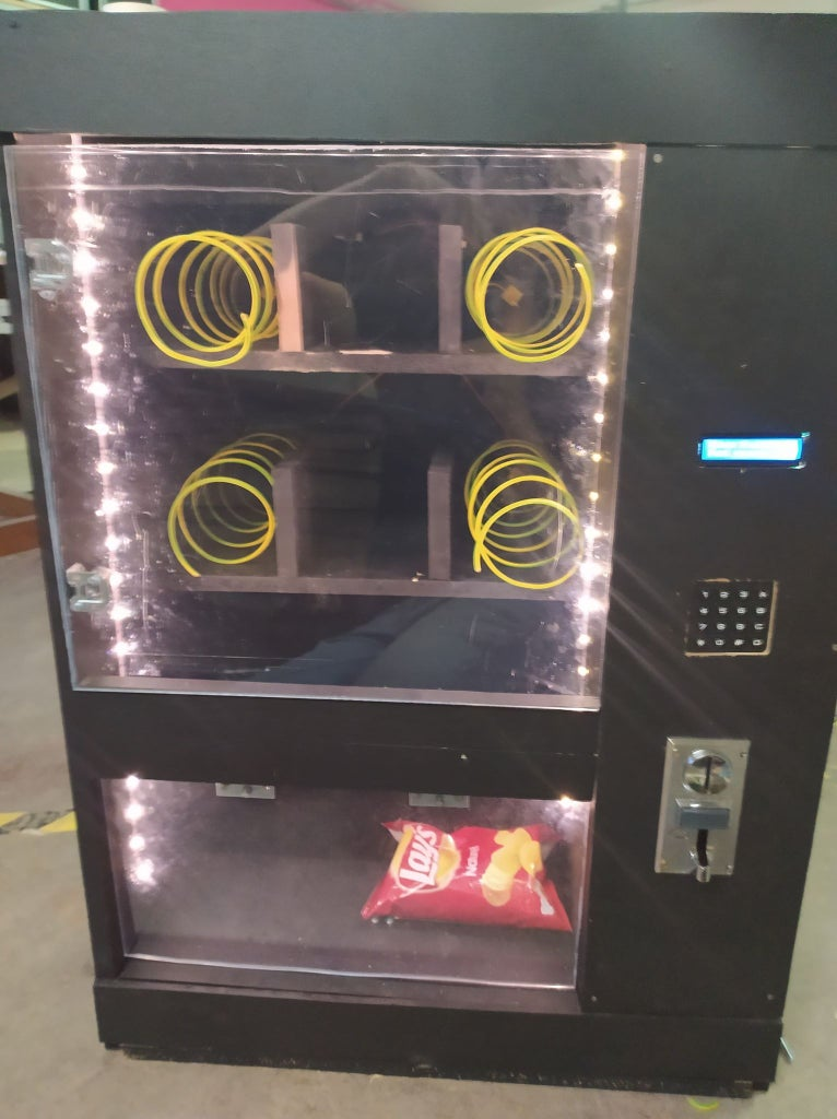 Vending Machine With Scale to Confirm Itemdrop (Raspberry Pi)