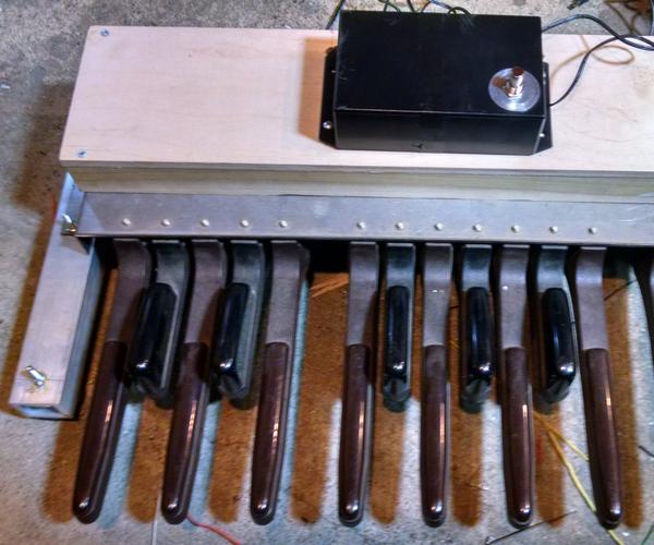 Easy MIDI Bass Pedals