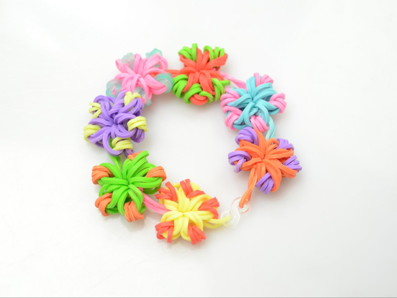 Final Look of Beautiful  Candy Color Flower Loom Band Bracelet!
