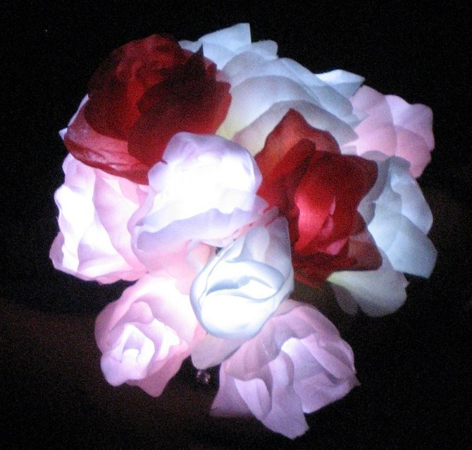 Assemble your own LED rose bouquet