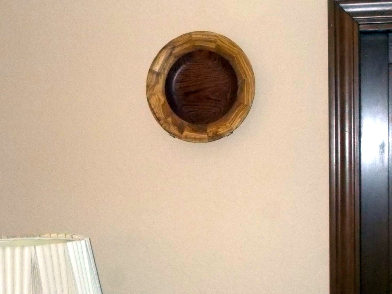 Plate Holder for the Wall