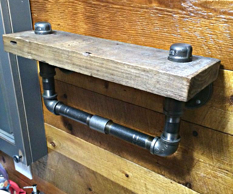 Easy reclaimed wood and steel pipes shelf
