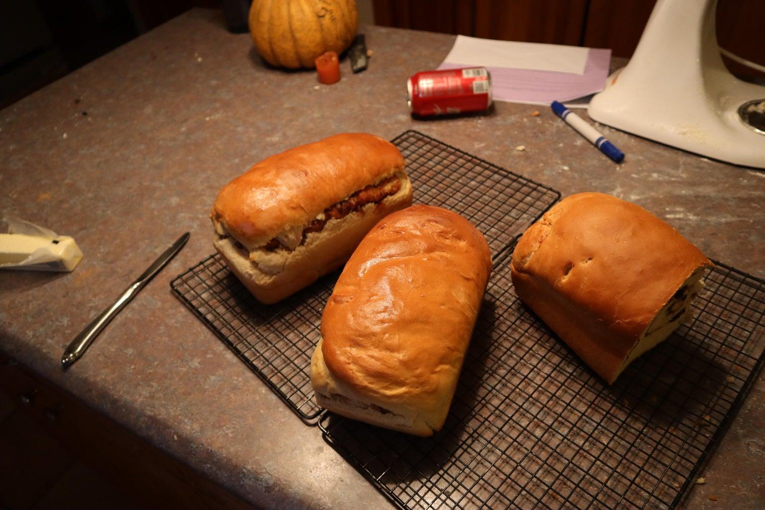 Tasteful and Beautiful Cinnamon Raisin Bread (No Breadmaker Required)