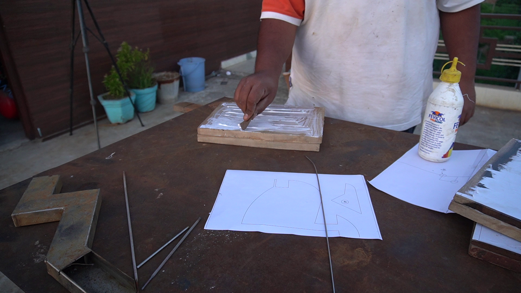 Glueing the Wood and Template