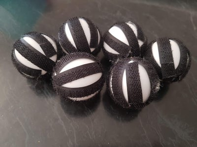 Make the Velcro Balls