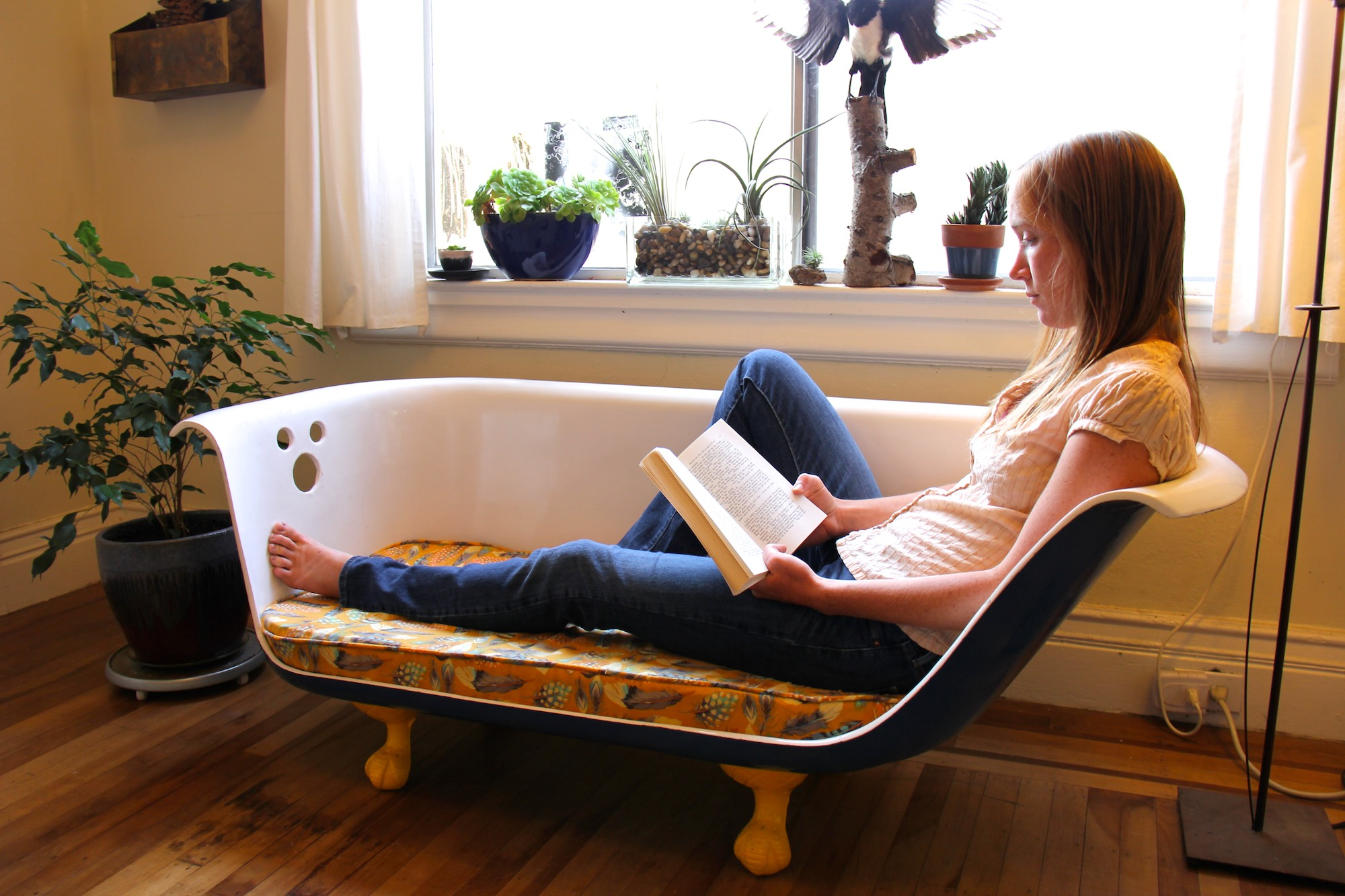 DIY Clawfoot Bathtub Couch