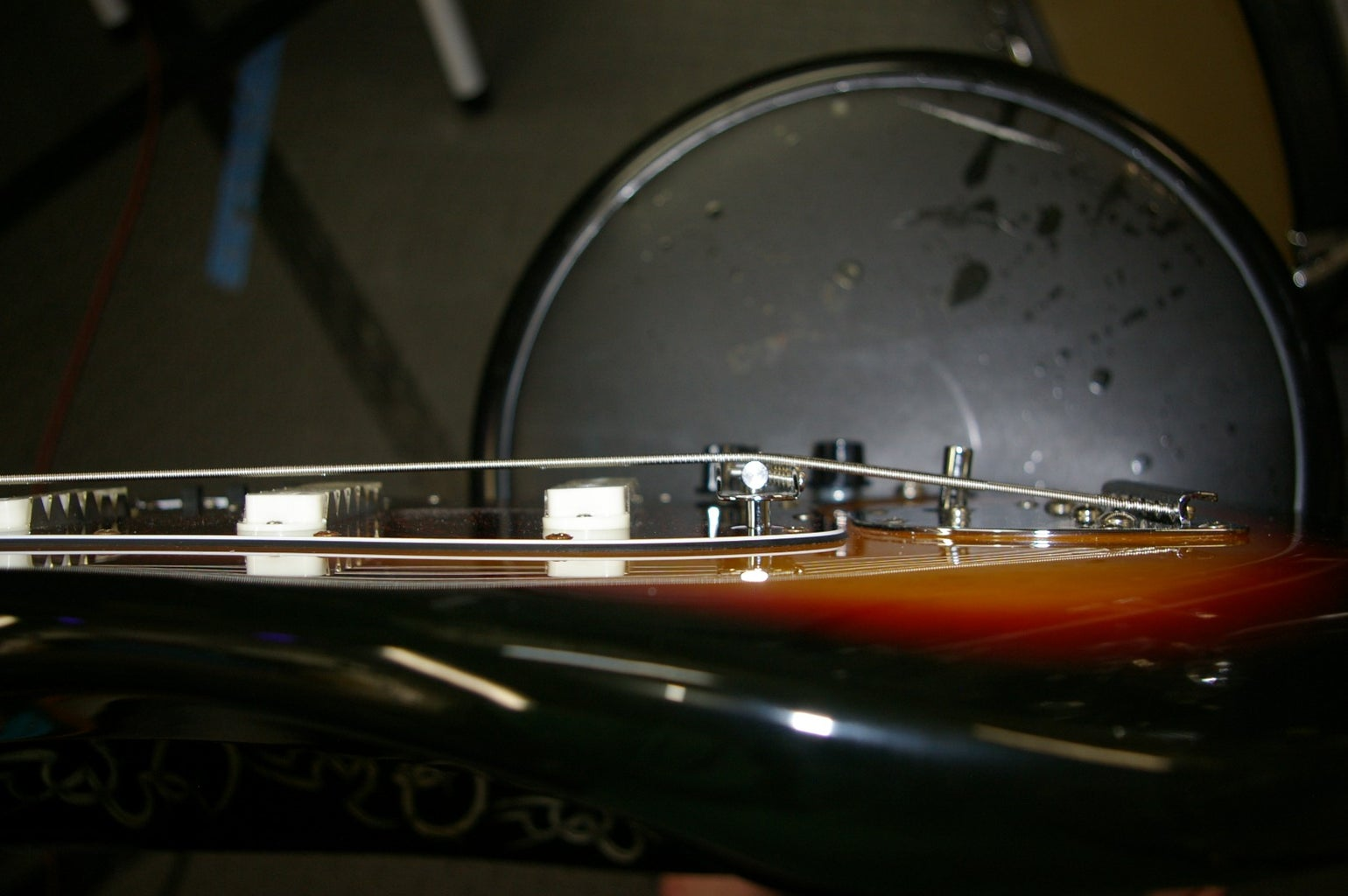 Adjust the Neck Pitch With a Shim