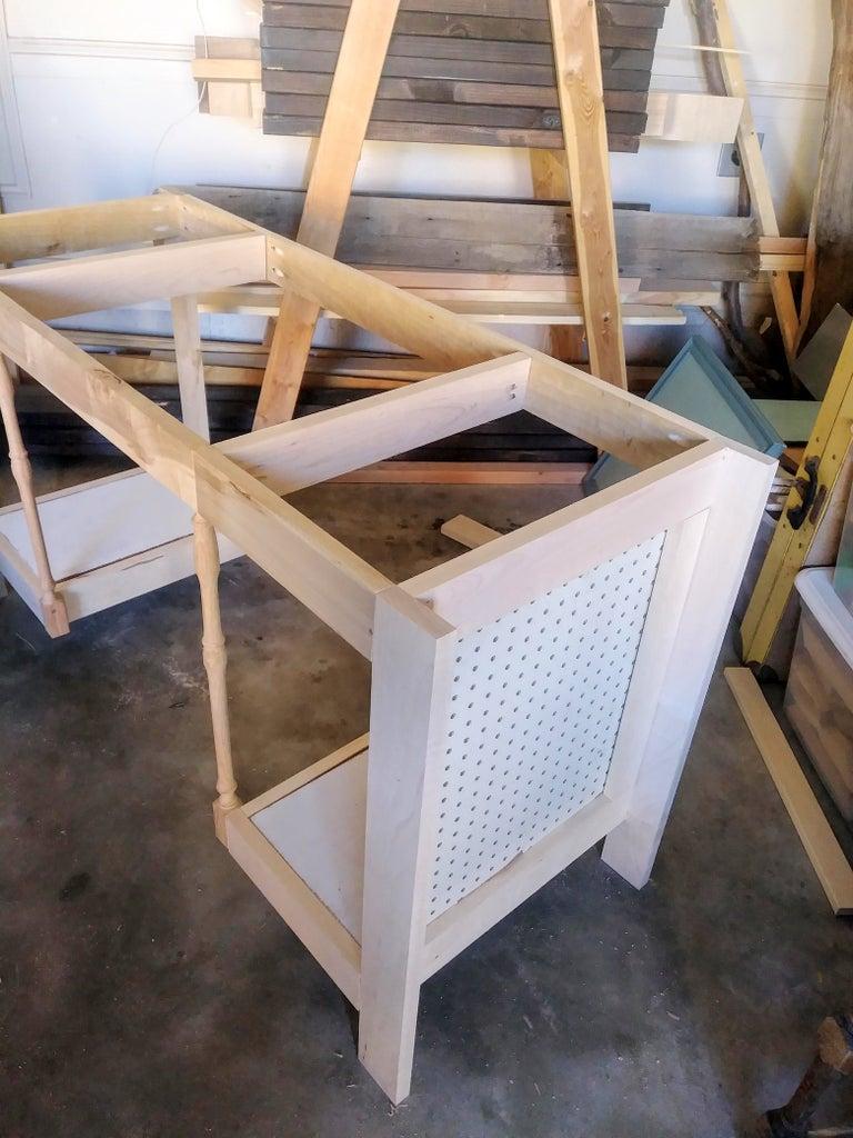 Assemble Desk Frame
