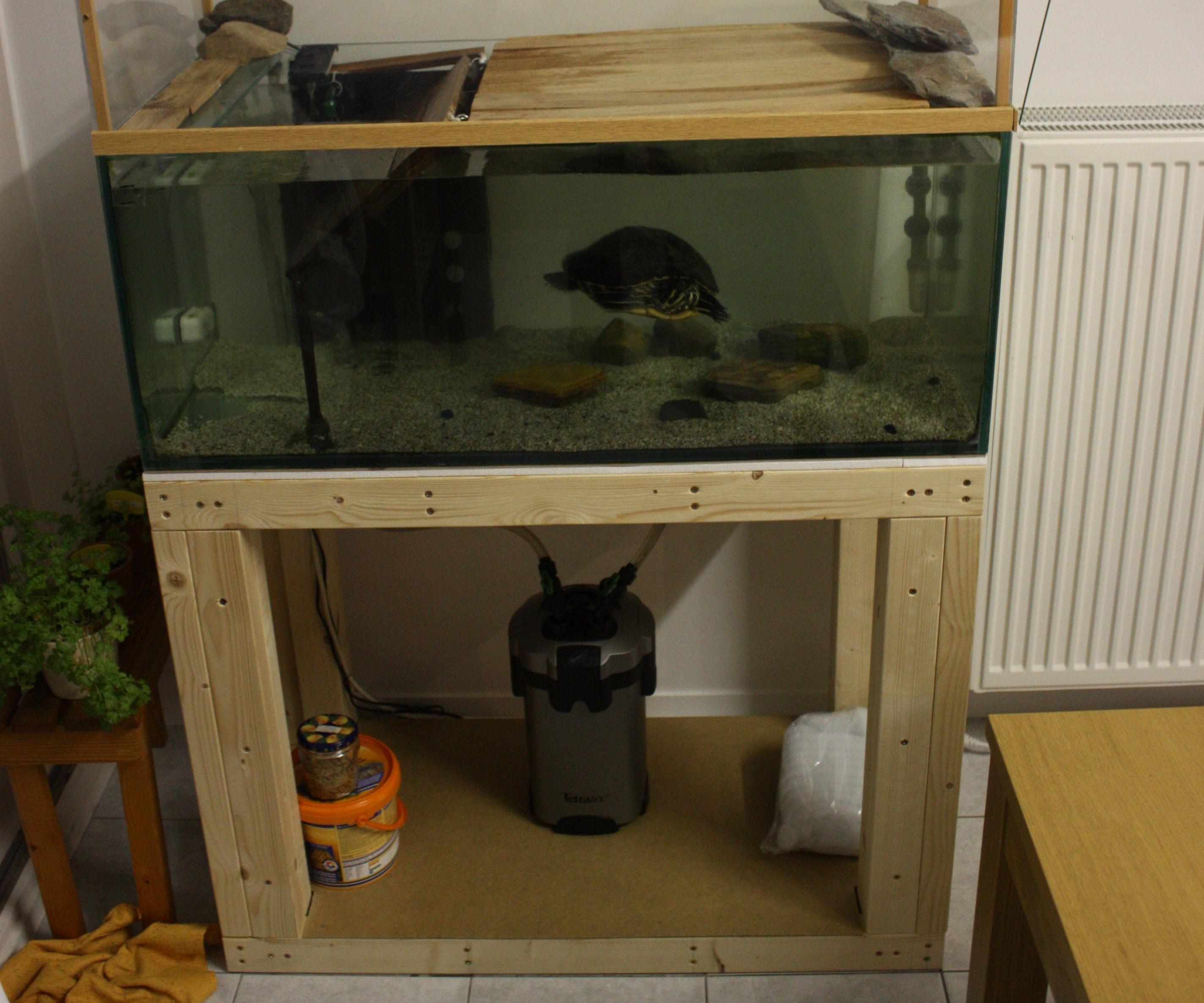 Aquarium stand