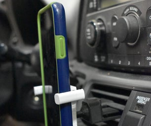 3D印刷通用汽车智能手机坐在Tinkercad设计