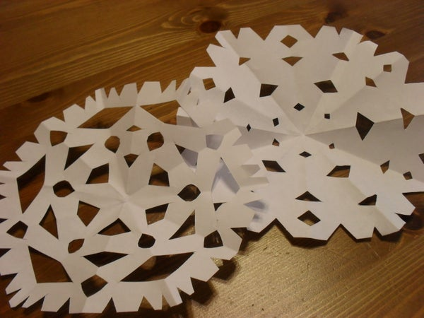 How to Make Paper Snowflakes!