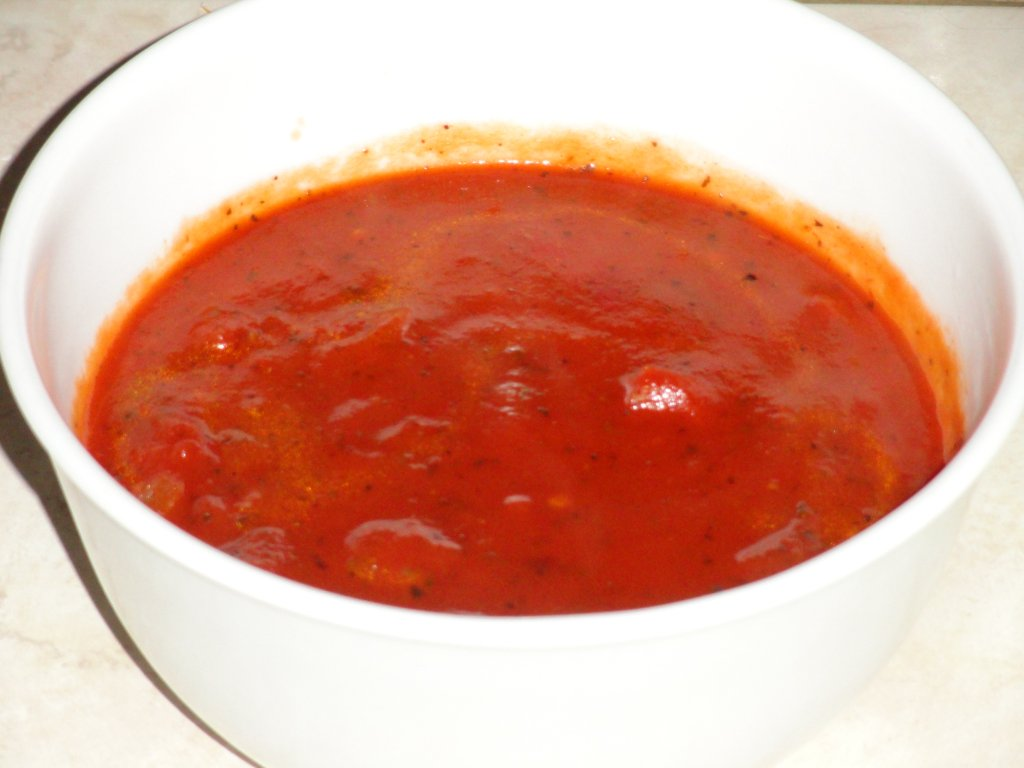 A Simple and Delicious Pizza Sauce